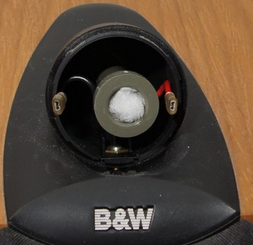 B&W ZC12092 Hochtöner Ersatz: die Innenseite des Hochtönergehäuses