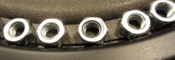 Reparatur mit einem hausgemachten flache Schaumstoff Sicke: Gewicht auf der äußeren 'Flip'
