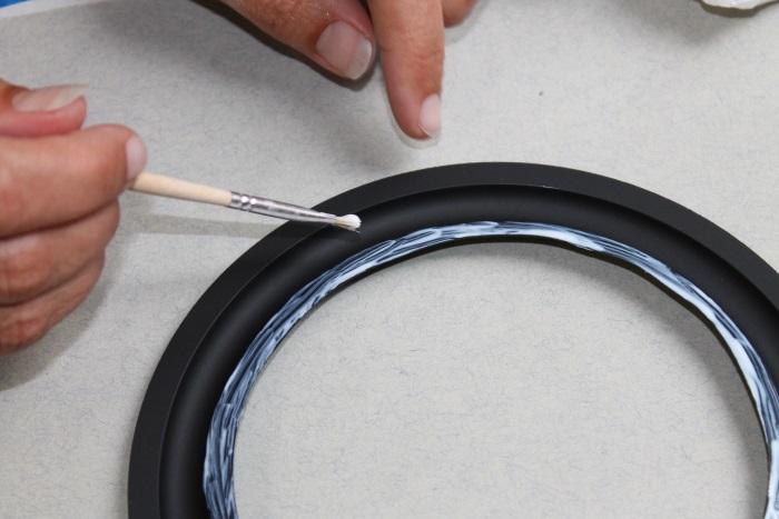 B&W ZZ11436 Gummisicke Ersatz: Kleber verteilt mit Pinsel