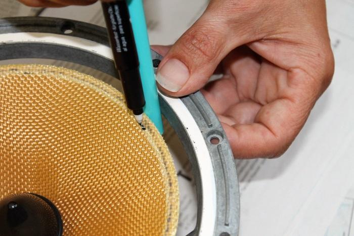 B&W ZZ11436 Gummisicke Ersatz: der Kleberrand wird auf der Konus markiert