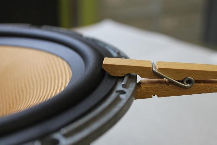 B&W ZZ11436 Gummisicke Ersatz: Setzen Sie Wäscheklammern rund um den Korb, um den äußeren Rand der Sicke am Rahmen zu befestigen
