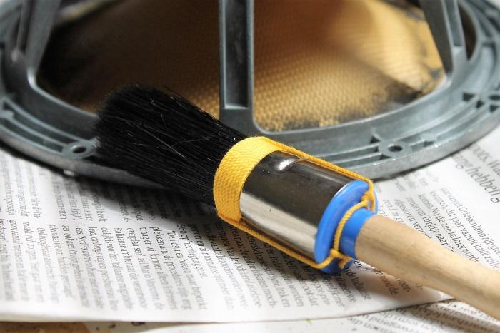 B&W ZZ11436 Gummisicke Ersatz: Säubern Sie die Vorder- und Rückseite des Konus regelmäßig mit dem Pinsel