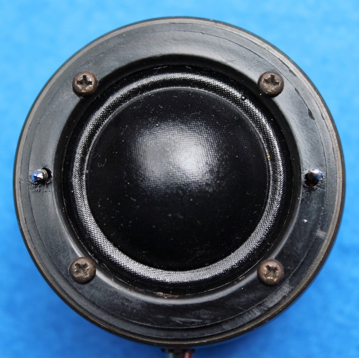 B&W N801S (TS26 80) Hochtöner Reparatur: Bereit! Sie könnten die (gebohrten / gefeilten) Löcher füllen