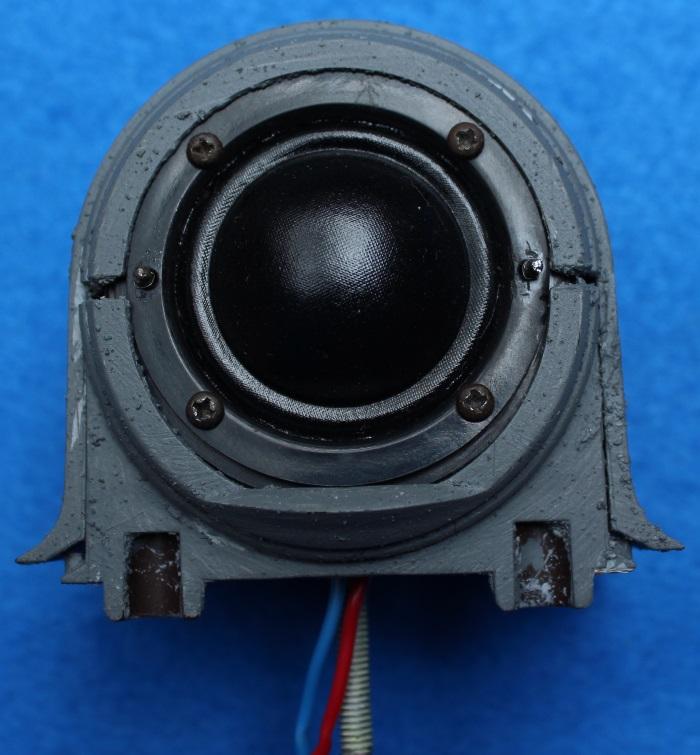 B&W N801S (TS26 80) Hochtöner Reparatur: Setzen Sie den Hochtöner in das Hochtönergehäuse