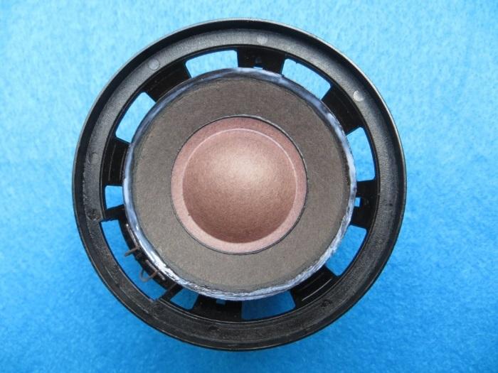 Beolab Penta midrange refoam: apply glue to the speakercone