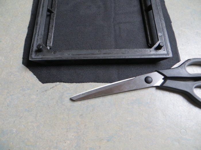 Replace speaker cloth: apply glue to the speaker grille / frame