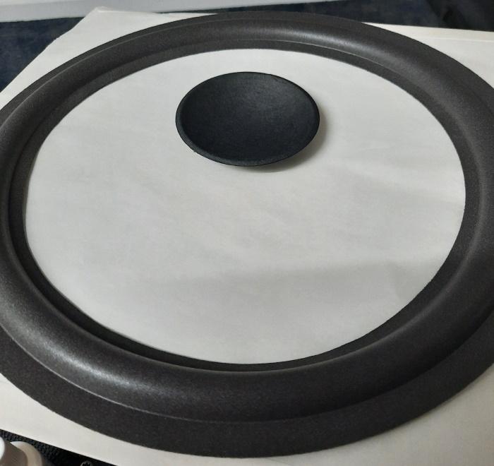Foamrand en stofkap voor REL Q100 / Q100E woofer